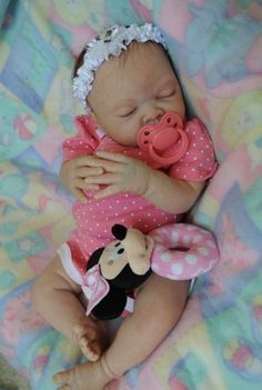 Reborn baby girl www.wonderfinds.com/item/3_380635484156/c84625/Reborn-Baby-Girl