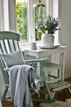 The Best of shabby chic in - The Hottest Home and Interior Design Trends - The Hottest Home and Interior Design Trends Shabby Chic Kitchen, Shabby Chic Homes, Cottage Living, Cottage Style, Cozy Cottage, Living Room, Home Interior, Interior Design, Vibeke Design