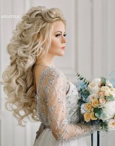 18 Beautiful Wedding Hairstyles Down For Brides And Bridesmaids - Hair Down Wedding Styles Elegant Wedding Hair, Wedding Hair Down, Wedding Hair And Makeup, Wedding Updo, Bridal Hair, Elegant Wedding Cakes, Perfect Wedding, Wedding Ceremony, Wedding Hairstyles For Long Hair