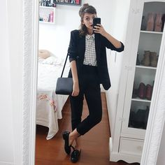 Hair half up Casual Work Outfits, Blazer Outfits, Professional Outfits, Office Outfits, Work Attire, Cool Outfits, Minimal Fashion, Work Fashion, Fashion Looks