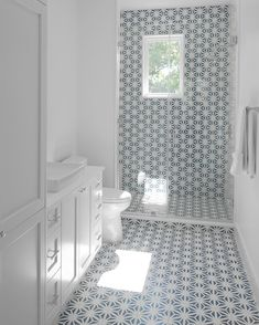Swooning over this fabulous cement tile walk-in shower 💗 Tile: Terrazzo Polished Catalonia. Bathroom Tile Designs, Bathroom Design Small, Bathroom Layout, Bathroom Interior Design, Modern Bathroom, White Bathrooms, Luxury Bathrooms, Master Bathrooms, Minimalist Bathroom
