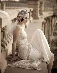 Beautiful 1920s wedding dress & veil