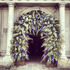 beautifully designed church entrance…♥