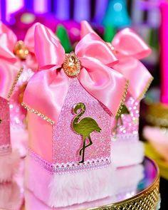 Festa Flamingo: 90 fotos + tutoriais para uma comemoração incrível