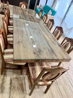 Masa lemn masiv cu scaune tapitate Dining Table, Furniture, Home Decor, Homemade Home Decor, Dinning Table Set, Home Furnishings, Interior Design, Dining Rooms, Dining Room Table
