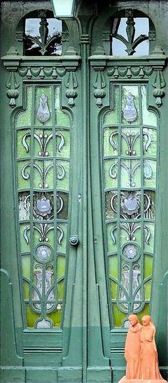 Art nouveau door in Barcelona, Spain! Cool Doors, The Doors, Unique Doors, Windows And Doors, Front Doors, Grand Entrance, Entrance Doors, Doorway, Knobs And Knockers