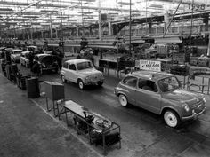 1962 Seat 600 Assembly line Mini Morris, Fiat 600, Assembly Line, Photo Store, Vintage Bicycles, Car Pictures, Car Pics, Audi Quattro, Old Cars