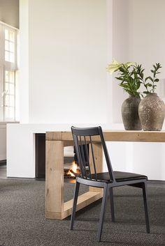 Rib by Miyazaki Chair Factory Danish Furniture, Wooden Furniture, Contemporary Furniture, Furniture Design, Modern Contemporary, Factory Design, Take A Seat, Miyazaki, Wishbone Chair
