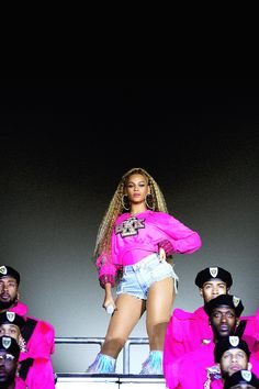 Check out Beyonce @ Iomoio Queen Bee Beyonce, Beyonce And Jay Z, Beyonce Cochella, Beyonce Performance, Coachella Dress, Divas, Hip Hop, Beyonce Style, My Black Is Beautiful