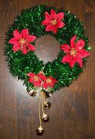 Classified: Mom: Kid's Craft: Easy Tinsel Garland Christmas Wreath