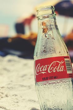 Coke in the beach - Wallpaper for iPhone