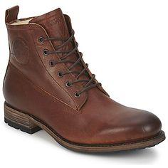 Aquí tienes un modelo de #zapato #bota baja de #Blackstone que formará parte de los indispensables ultra masculinos que todo hombre que se respete debe tener. Su look auténtico, su cuero en bruto y su interior forrado son los atributos que nos harán caer rendidos. #zapato hombre  Disponible en #Spartoo