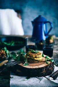 Recetas de hamburguesas veganas Food Truck, Table Decorations, Vegans, Tasty Food Recipes, Canela, Healthy Vegetarian Recipes, Easy Food Recipes, Healthy Pizza, Carrots