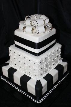Stunning Black and white cake.