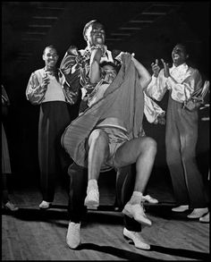 Lindy Hop is the original swing dance from the and it has enjoyed a healthy life ever since Swing Dancing, Swing Jazz, Shall We Dance, Lets Dance, Harlem New York, Burlesque, The Kat, Lindy Hop, Dance Fashion