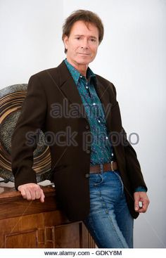 Sir Cliff Richard Exclusive Photoshoot Stock Photos & Sir Cliff ...
