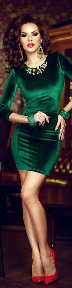Dating Miss Millionairess- Atmosphere Fashion- LadyLuxuryDesigns ❤ Beauty And Fashion, Green Fashion, Womens Fashion, Sexy Dresses, Short Dresses, Beautiful Dresses, Evening Dresses, Atmosphere Fashion, Lady