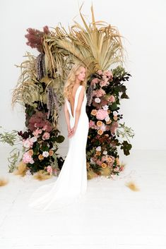 Australian wedding dress designers have serious cool-bride game. Today's relaxed gowns and hip floral inspiration come from Anastasia Fua and Prea James in Australia, and it's giving us even more bridal envy.