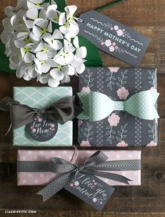 Printable Mother's Day gift tags and gift wrap in mint and blush