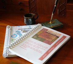DIY Homeschool Planner-   good ideas here  for any busy mom who likes to organize