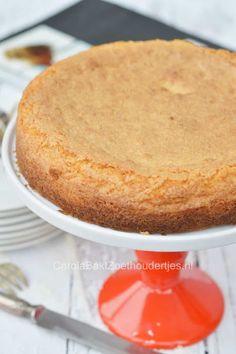 Kokoskoek of kokostaart of toch kokoskoektaart coconut cake and coconut cake Dessert Cake Recipes, Sweets Cake, Fun Desserts, Vegan Desserts, Pie Cake, No Bake Cake, Coconut Recipes, Baking Recipes, Rumchata Recipes