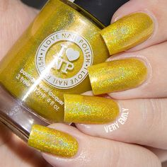A fabulously awesome take on Yellow. 💜 --- ILNP Funshine Smoothie $10