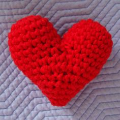 Easy to make & Perfect for Valentines ... Stuffed Heart Crochet Pattern /;)