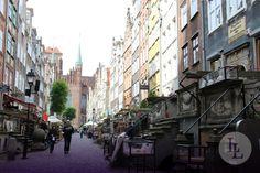 Die Stadt Danzig liegt an der polnischen Ostseeküste. Die Altstadt des Städchens im Norden von Polen bezaubert mit ihrem ganz eigenen Charme durch die vielen Gassen und verspielten Gebäude. Lassen Sie sich auf einer Reise mit Länder und Leute durch die kleinen Sträßchen treiben. Es lohnt sich!
