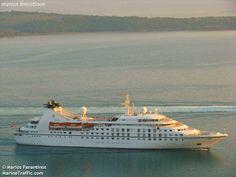 haradiatika lefkada: Φτάνει σε λίγο στο Σκορπιό το κρουαζιερόπλοιο που ...
