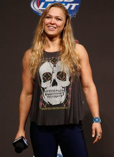 She is the Goddess of Guns! (As in muscles - check those beasts out. Ronda Rousey Mma, Rhonda Rousy, Rowdy Ronda, Ufc Women, Ufc Fighters, Female Fighter, Female Athletes, Judo, Beauty