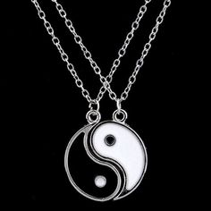 Best friends ying yang necklace set NEW with tags Good Luck Necklace, Evil Eye Necklace, Drop Necklace, Heart Pendant Necklace, Bff Necklaces, Best Friend Necklaces, Best Friend Jewelry, Jewelry Party, Cute Jewelry