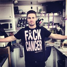 Stephen amell...Omg! It has nothing to do with the show but I love this!
