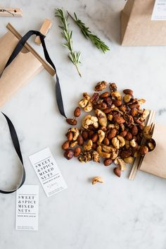 Still not sure what to get for your co-workers? Mix up these Sweet and Spicy Nuts for a quick an easy treat. #GiveGetWant