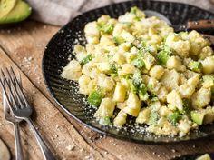 Gerösteter Blumenkohl mit Parmesan und Avocado