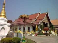 Wat Chedi Sao Lang, a little northest of Lampang