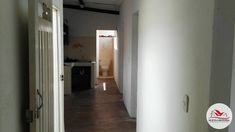 #73 VENTA CASA EN BELLO BARRIO CONGOLO, ESTRATO 3, 85 M2, CON 4 ALCOBAS, 1 BAÑO, SALA COMEDOR, COCINA, RED DE GAS, RUTAS DE BUSES, RUTA DEL METRO, 3 TERCER PISO, BALCÓN, CERCA AL PARQUE DE BELLO. Tall Cabinet Storage, Furniture, Home Decor, Alcove, Park, Dining Room, Flats, Cooking, Decoration Home