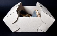 Embalagem sustentável.  Uma folha de Papelcartão, criatividade e NADA de cola!  Designed by Katharina Seiler
