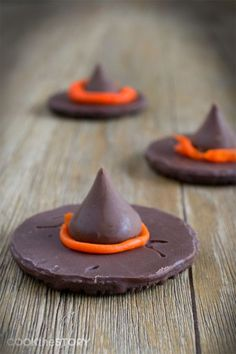 Easy 3 Ingredient Chocolate Witches' Hats #halloween #chocolate #recipe