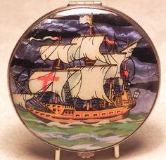 Vintage Gwenda Galleon Powder Compact