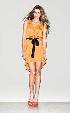 Vestido mostaza de Sisley