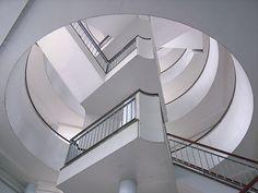 Bevin Court, London, Berthold Lubetkin _ like the core