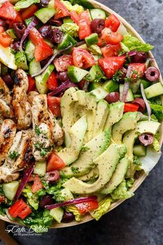 Grilled Lemon Herb Mediterranean Chicken Salad that is full of Mediterranean flavours with a dressing that doubles as a marinade! WEIGHT WATCHERS SMART POINT: 15 per serveGrilled Lemon Herb Mediterranean Chicken Salad that is full Mediterranean Chicken Salad Recipe, Mediterranean Diet Recipes, Chicken Salad Recipes, Salad Chicken, Mediterranean Soup, Avocado Chicken, Bruschetta Chicken, Chicken Pasta, Diner Recipes