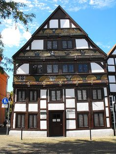 Datei:Museum für Stadtgeschichte im Adam-und-Eva-Haus, Paderborn.jpg – Wikipedia