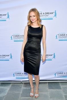 """Heather Graham attends the """"I Have A Dream"""" Foundation Los Angeles hosts annual Dreamer Dinner Benefit at Skirball Cultural Center on March 2019 in Los Angeles, California. Get premium, high resolution news photos at Getty Images Heather Graham Hot, Girl Celebrities, Celebs, Sharon Osbourne, Becoming An Actress, Leopard Print Bikini, Michelle Rodriguez, Regina King, Gorgeous Women"""