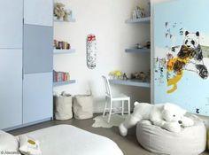 dormitorio para niño en azul y blanco