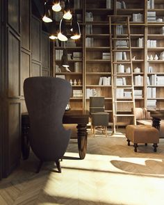 Loving the Old World feel of this amazing library; anyone else craving a home office in so inspiring a space?