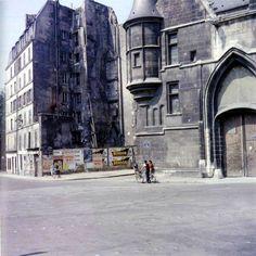 Paris 1960-L'Hôtel de Sens, rue du Figuier (4ème arr.), qui abrite aujourd'hui la Bibliothèque Forney Photo Jean Jéhan.