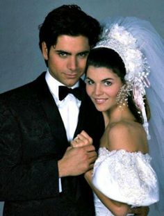 Full House, John Stamos, Lori Loughlin (aka Uncle Jesse and Aunt Becky) Lori Loughlin, Best Tv Couples, Movie Couples, Hot Couples, Cutest Couples, Famous Couples, Andrea Barber, Becky Full House, Tio Jesse
