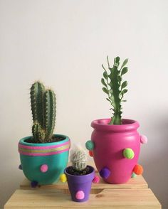 25 DIY Cute Plant Pot Ideas plant pot ideas, creative flower pot, inddor plant pot, diy and crafts, plant holders Painted Flower Pots, Painted Pots, Flower Pot Design, Diy Y Manualidades, Fleurs Diy, Flower Pot Crafts, Diy Décoration, Clay Pots, Plant Holders