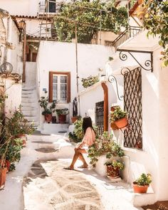greece in the summer Places Around The World, Oh The Places You'll Go, Places To Travel, Travel Destinations, Arquitectura Wallpaper, Beautiful World, Beautiful Places, Athens Greece, Mykonos Greece